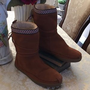 Tom's Nepal Boots